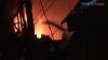 Warga Panik, Kebakaran Melanda Pemukiman Padat Penduduk
