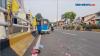 Diduga Sopir Mabuk, Bajaj Terguling Di Jalan Layang Palmerah