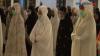 Masjid Al Akbar Menerapkan Protokol Kesehatan saat Salat Tarawih Perdana