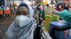 Vaksinasi di Mal, Warga Jakarta Pra Lansia Divaksin Astrazeneca