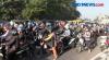 Antrean Panjang Akibat Peneyekatan di Waru Surabaya