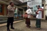 Aparat Kawal Pelaksanaan Salat Jumat Perdana di Masa PSBB Transisi DKI Jakarta