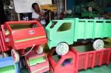 Perajin Mobil Mainan Bertahan di Tengah Pandemi