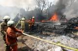 Gudang Rongsokan di Bambu Apus Ludes Terbakar