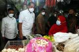 Mendag Muhammad Lutfi Tinjau Pasar Wonokromo Surabaya