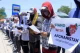 Pengungsi Asal Afghanistan Gelar Aksi Unjuk Rasa di Kupang