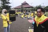 Aksi Mahasiswa Tolak Statuta Universitas Indonesia