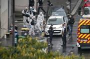 Tujuh Orang Ditahan Pasca Serangan di Bekas Kantor Charlie Hebdo
