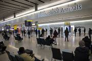 Inggris: Varian Baru Covid-19 Perumit Rencana Pelonggaran Pembatasan Perjalanan