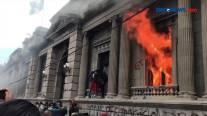 Ratusan Pengunjuk Rasa Bakar Gedung Kongres Guatemala