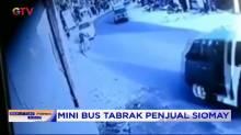 Mini Bus Tabrak Tukang Somay HIngga Terpental di Cicalengka, Jabar