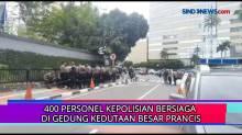 400 Personel Kepolisian Bersiaga Di Gedung Kedutaan Besar Prancis