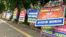 Karangan Bunga Dukungan hingga Curhat Banjiri Polda Metro Jaya