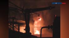 Mesin Boiler Meledak, Pabrik Ban di Medan Deli Ludes Terbakar
