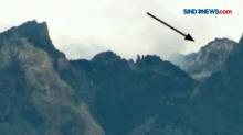 Guguran Tebing Lava Lama Puncak Merapi Terpantau CCTV