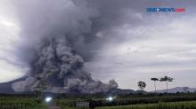 Gunung Semeru Erupsi, Luncurkan Awan Panas Setinggi 11 Km