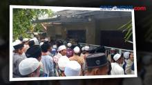Puluhan Orang Datangi Rumah Ibunda Mahfud MD di Madura