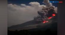 Gunung Semeru di Lumajang Erupsi Luncurkan Awan Panas