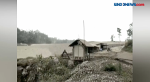 Warga Lumajang Mengungsi Akibat Letusan Gunung Semeru