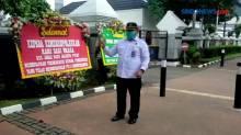 FPI Dibubarkan, Kantor Mahfud MD Banjir Kiriman Bunga