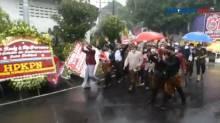 Acara Pisah Sambut Mantan Wali Kota Surakarta Diiringi Hujan Deras