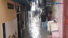 Kawasan Kebon Pala Dilanda Banjir Sejak Dini Hari