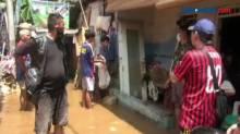 Ular Sanca 3 Meter Masuk Rumah Warga saat Banjir