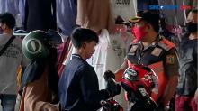 Petugas Gelar Razia Masker dan Protokol Restoran di Tanah Abang Jakarta Pusat