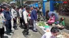 Polisi Dan TNI Lakukan Silahturahmi Kepada Warga Intan Jaya Papua