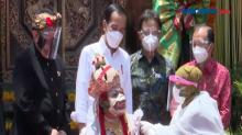 Presiden Jokowi Tinjau Vaksinasi Pelaku Usaha Pariwisata di Bali