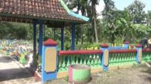 Pemakaman Warna-warni di Ponorogo, Jauh dari Kesan Angker