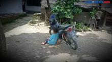 Bocah Gemar Hirup Aroma Bensin Motor di Cilegon Banten