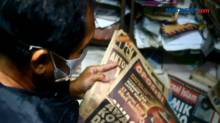 Pria di Cirebon Koleksi Ribuan Eksemplar Koran dan Majalah Lawas