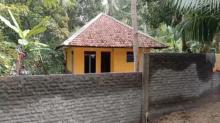 Diduga Berselisih, Rumah Tertutup Tembok Benteng Tetangga