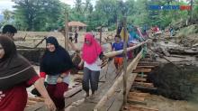 Warga Adonara Terisolir Usai Banjir Bandang
