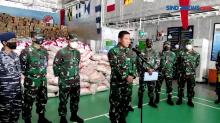 TNI AL Kerahkan KRI Distribusikan Bantuan Bencana Alam di NTT