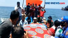 Tim SAR Evakuasi Nelayan Tewas di Tengah Laut
