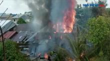 5 Rumah di Permukiman Padat Penduduk Hangus Terbakar
