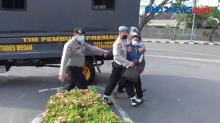 Unjuk Rasa Tuntut Gubernur Edy Cabut Kenaikan Pajak Bahan Bakar Kendaraan Bermotor.