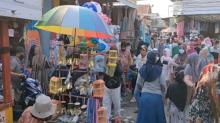 Menjelang Lebaran, Pasar diserbu Warga