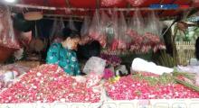 Pemerintah Larang Ziarah Kubur, Pedagang Bunga Mengeluh Sepi