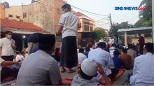 Salat Ied Salah Satu Masjid Perumahan di Pamulang Terapkan Prokes Ketat