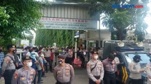 Jelang Vonis HRS, Mobil Barracuda dan Kawat Berduri Disiapkan di PN Jaktim