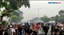 Sidang Vonis HRS, Pendukung Bentrok dengan Polisi