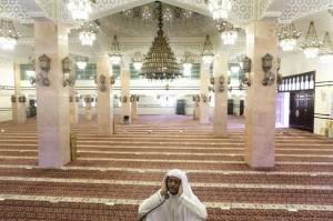 Masjid Saudi Akan Gelar Salat Jumat, Begini Protokol Covid-19-nya