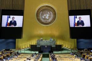 Macron: Eropa Tidak Akan Berkompromi Soal Sanksi AS Terhadap Iran