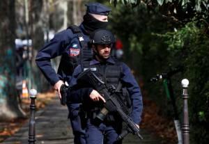 Empat Orang Ditikam Dekat Bekas Kantor Charlie Hebdo di Paris