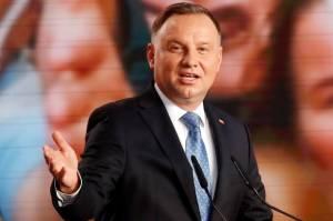 Positif Covid-19, Presiden Polandia Minta Maaf