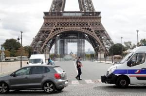 Paris Mencekam dengan Ancaman Bom dan Temuan Tas Berisi Amunisi
