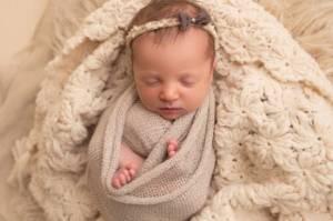 Bayi yang Lahir Ini Sejatinya Berumur 27 Tahun, 18 Bulan Lebih Muda dari Ibunya